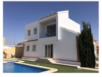 Fabulous! 4 bed 3 bath Villa with Pool