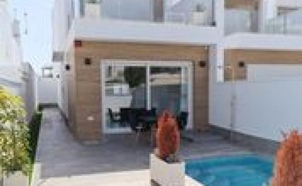 Fantastic New Build Villa with Pool