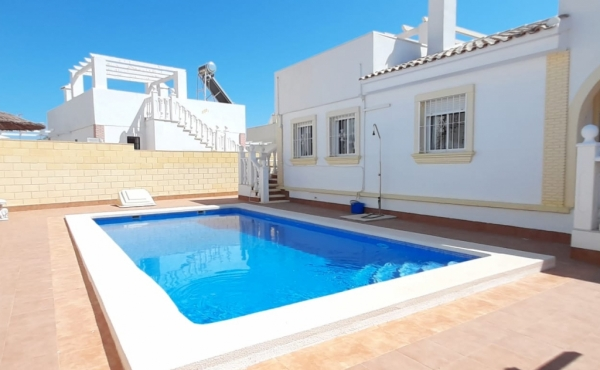 Fabulous! 2 bed 2 bath Villa with Pool