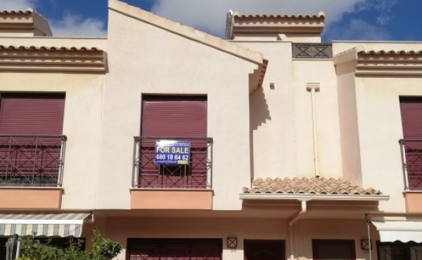 FABULOUSLY PRICED TOWNHOUSE IN BALSICAS